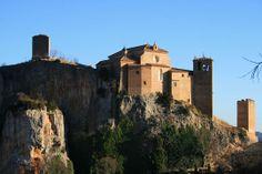 Les plus beaux châteaux de l'Espagne. Le Château collegiale d'Alquezar,Aragon