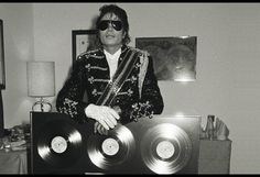 This Week in Billboard Chart History: In 1983, Michael Jackson Thrilled Again With 'Beat It'