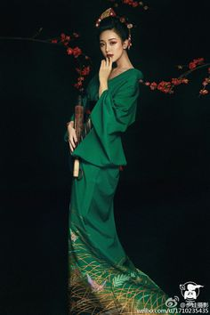 Best ideas fashion photography green haute Best ideas fashion photography green haute coutureFashion Editorial for Fashion Magazine and Berlin DesignerFashion Beauty Editorial for a Berlin Designer published in a fashion Magazine. Style Oriental, Oriental Fashion, Asian Fashion, Green Fashion, Asian Style, Chinese Style, Mode Kimono, Chinese Clothing, Japanese Fashion