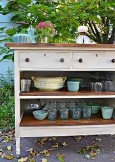 Annie Sloan Chalk Paint Furniture, Flea Market Style, Decoration, China Cabinet, Vintage Decor, Kitchen Island, Dresser, New Homes, Interior Design