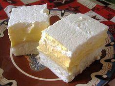 Könnyű piskótán csodás vaníliás krém, tejszínhabbal megkoronázva. Madártej rajongóknak különösen ajánljuk.