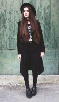 Resultado de imagen para ropa gotica y semsual juvenil