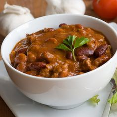 Top this hearty chili with chopped scallions, reduced-fat sour cream, or grated reduced-fat cheddar cheese.