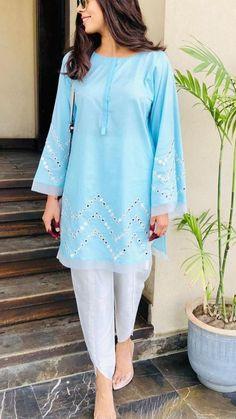 Simple Pakistani Dresses, Pakistani Fashion Casual, Pakistani Dress Design, Stylish Dresses For Girls, Stylish Dress Designs, Simple Dresses, Stylish Gown, Casual Dresses, Sleeves Designs For Dresses