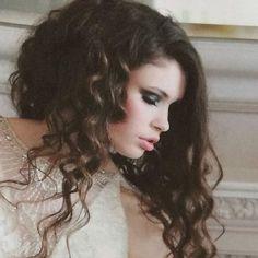 Perfect Storm ————————  #makeupartist #professionalmakeup #styledshoot #makeupshoot #bridalmakeup #brides #weddingmakeup #luxurybride #lifestylemagazine #unveiledmagazine #bridalmakeupartist #publishedwork #makeupbyme #bluesmoke #smokeyeye #prettymakeup # Bridal Eye Makeup, Wedding Day Makeup, Bride Makeup, Photographic Makeup, Makeup Artist Portfolio, Makeup Inspiration, Makeup Ideas, Makeup Trial, Make Up Looks