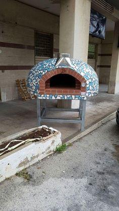 Wood pizza oven: Forni Bruzzese – Víctor Ricardo – Wood pizza oven: For … – Pizza Wood Oven, Wood Fired Oven, Wood Fired Pizza, Clay Pizza Oven, Bread Oven, Outdoor Kitchen Bars, Outdoor Oven, Outdoor Mosaic Tiles, Indoor Pizza Oven