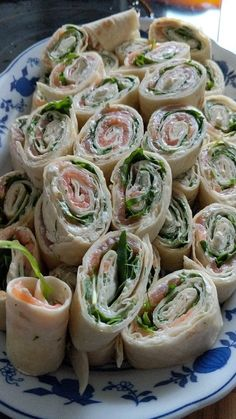 Cold salmon rolls with honey mustard cream rocket and dill from Robinthehood Budget Clean Eating, Clean Eating Grocery List, Easy Clean Eating Recipes, Healthy Low Carb Recipes, Clean Eating Snacks, Healthy Dinner Recipes, Sauce Pizza, Clean Eating Breakfast, Healthy Chicken Recipes