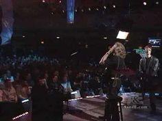 Bee Gees, Maurice Gibb Last Great Performance April 27, 2001   EXCELENTE MÚSICA  BELLOS RECUERDOS.........    LOS BEE GEES...........