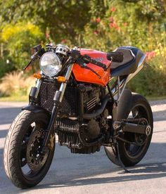 Triumph Speed Triple CR    Inspiration for my bike. Tough to get that tail section just right.