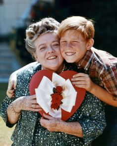 Opie (Ronnie Howard) gives Aunt Bea (Frances Bavier) a valentine