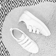 Our velcro trainers - BRONX SHOES