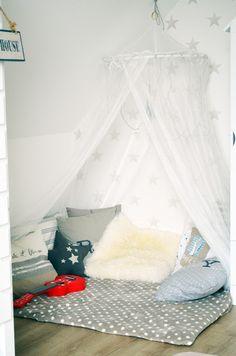 Kuschelecke Kinderzimmer Betthimmel Leseecke