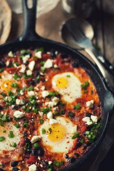 baked eggs #travellingdietitian #thecleanseparation www.travellingdietitian.com #healthy