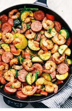 Cajun Shrimp and Sausage Vegetable Skillet is the best 20 minute meal with . - Cajun Shrimp and Sausage Vegetable Skillet is the best 20 minute meal with … – # meal - Healthy Dinner Recipes For Weight Loss, Healthy Recipes, Easy Dinner Recipes, Low Carb Recipes, Diet Recipes, Vegetarian Recipes, Easy Meals, Cooking Recipes, Cooking Tips