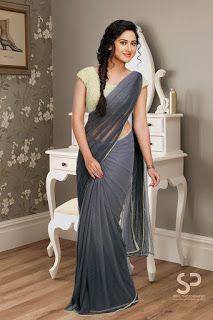 Miya George hot & sexy stills Beautiful Girl Photo, Beautiful Girl Indian, Most Beautiful Indian Actress, Beautiful Saree, Beautiful Women, Sarees For Girls, Indian Navel, Stylish Sarees, Trendy Sarees