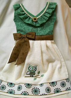 Woodsy Owl Motif Oven Door Dish Towel Dress by TowelswithaTwist