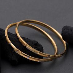 Gold Ring Designs, Gold Bangles Design, Gold Earrings Designs, Gold Jewellery Design, Plain Gold Bangles, Gold Bangles For Women, Solid Gold Bangle, Fancy Jewellery, Diamond Jewellery
