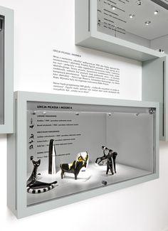Museum Exhibition Design, Design Museum, Museum Art Gallery, Museum Displays, Environmental Design, Display Design, Cabinet, Industrial Design, Graphic Design