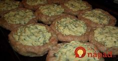 Hackfleisch-Nester mit Käse-Füllung aus dem Backofen Tasty minced meat nests with cheeses you'll love. Only the right side dish to select and for lunch is taken care of. You can use beef, pork or chicken minced meat. Hungarian Recipes, Russian Recipes, Meat Recipes, Cooking Recipes, Healthy Recipes, Chicken Recipes, Good Food, Yummy Food, Carne Picada
