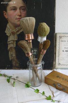 Pinceaux anciens , style atelier d'artiste , brocante de charme atelier cosy.fr