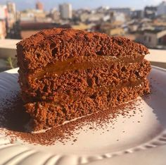 Torta de Chocolate rellena de dulce de leche Beef Empanadas, Death By Chocolate, Sin Gluten, Veggie Recipes, Tiramisu, Sweet Tooth, Ethnic Recipes, Desserts, Food