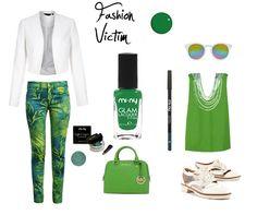 Happy St. Patrick's Day Girls!!  Il nostro smalto FASHION VICTIM della TEEN COLLECTION abbinato ad un look Total Green per un outfit super glam!  SHOP ONLINE - Acquista Online http://www.minyshop.com/it/teen-collection/205-fashion-victim.html    #miny #nailpolish #smalto #nails #glamour #fashion #madeinitaly #noanimaltesting #fashionvictim #fashion #glam #style #outfit #StPatrick #ireland #Patrick #Paddy