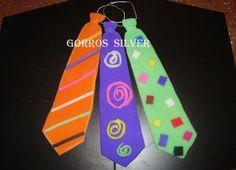 Moldes de corbatas de goma espuma - Imagui Ideas Para Fiestas, Spring Crafts, Party Hats, Diy And Crafts, Christmas Ornaments, Retro, Halloween, Holiday Decor, Birthday