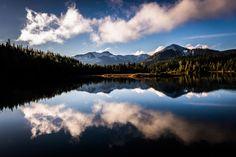 So glad I moved to the West Coast. Gold Creek Pond Washington State [2523x1684] [OC]