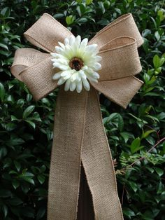 10 Rustic Country Burlap Ivory White Daisy Pew Bows~Wedding Decorations~Bridal