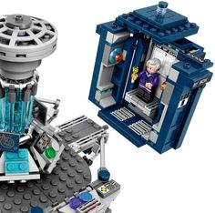 Buy LEGO Ideas: Doctor Who at Mighty Ape NZ. Construct a stunningly detailed LEGO® version of the iconic TARDIS® and role-play the Doctor's time-travel adventures! Twelfth Doctor, 12th Doctor, Lego Tardis, Dalek, Lego Doctor Who, Clara Oswald, Lego Design, Buy Lego, Lego News