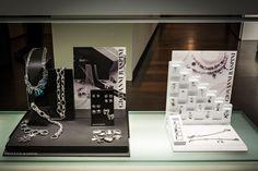 Bortolin Gioielli Udine - le nostre vetrine #raspini #gioielli #orologi. Visita il nostro sito www.bortolingioielli.it