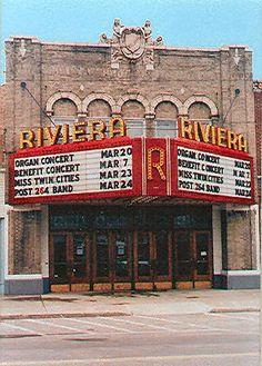 © Riviera Theatre