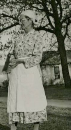 CHEROKEE WOMAN , circa 1944 Cherokee Woman, Native Americans, People, Women, Native American, People Illustration, Folk, Native American Men, Native American Indians