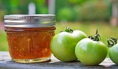 Green tomato marmalade is a delcious way to use up end of the season fruit. Lemon and orange give it classic marmalade taste while ginger adds some heat. Green Tomato Recipes, Red Tomato, Green Tomato Jelly Recipe, Orange Tomatoes Recipes, Green Tomato Relish, Yellow Tomatoes, Preserving Tomatoes, Canning Green Tomatoes, Grow Tomatoes
