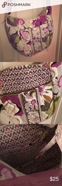 Vera Bradley Purse Multicolored Vera Bradley crossbody purse with adjustable straps, one front magnetic pocket, and an extra pouch inside. Used only once or twice and in like new condition! Vera Bradley Bags Crossbody Bags