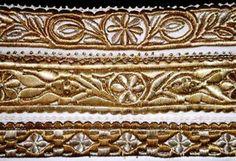 Slovakia gold embroidery ; 3ks obojky(golieriky) na čipku okolo hrdla-súčasť kroja,výšivka zlatom cez kartón,Trakovice Folk Dance, Folk Embroidery, Folk Costume, Decorative Boxes, Printing, Traditional, Pattern, Silver, Gold