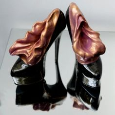 Vulva Shoes