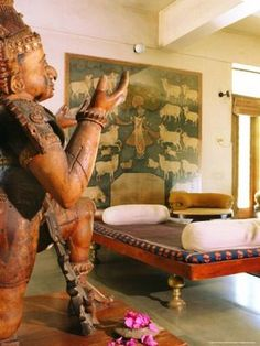 Indian Decor. Take a look at www.bringingitallbackhome.co.uk for Indian crafts