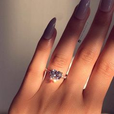 This feels like a movie scene Cute Rings, Pretty Rings, Beautiful Rings, Cute Jewelry, Jewelry Rings, Jewelry Accessories, Dream Engagement Rings, Heart Shaped Engagement Rings, Ring Verlobung