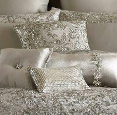 Inspiring Beautiful Linen Bedding Ideas To Renew Your Bedroom Luxury Bedspreads, Luxury Bedding, Home Bedroom, Master Bedroom, Bedroom Decor, Bedroom Interiors, Bedroom Ideas, Bling Bedroom, Luxury Interior Design