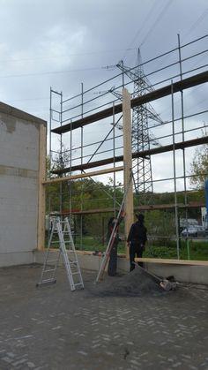 Holzhallenbau, absichern mit Schrägstützen www.zimmerei-massivholzbau.de