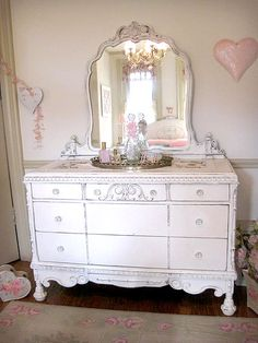 Seaside Lodge 8 Drawer Hand Rubbed White Dresser With Mirror Dressers Hands And