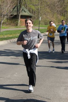 How to Run a 20:00 5K (ha haha-I'm so far from this but will try some of the tips so I can at least be faster!) Fitness Diet, Fitness Goals, Fitness Motivation, Health Fitness, Fitness Quotes, Running Workouts, Running Tips, Running Socks, Workout Exercises