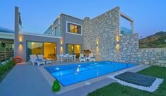 Newly built holiday residences at Plakias village are waiting for you to enjoy your stay in Crete. South Crete has the clearest waters and the beach is only 30 meters from the houses. Vacation Villas, Seaside, Swimming Pools, Mansions, Luxury, House Styles, Beach, Outdoor Decor, Wedding