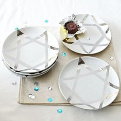 Chanukah plates - have friends that i cannot always find nice Jewish gifts for each year - they will love this one!