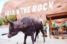 "The one and only Hole N""The Rock! #Utah #HoleNTheRock #visitUtah #exploreUtah #HitTheRoad #RoadTrip #Travel #TravelBlogger #TravelUSA #RoadTrippin #neverstopexploring #passionpassport #goexplore #tasteintravel #AirFranceMagazine #natgeofrance #natgeotravelerFrance #decourirensemble #francaisauxusa #voyage #guardiantravelsnaps #freshairclub | Photo de @laurafwc"