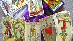 """Das bei den Proms uraufgeführte Orchesterstück """"Wild Card"""" der englischen Komponistin Tansy Davies deckt Karte für Karte die zweiundzwanzig Trümpfe des Tarot auf. Der Bericht über die Mittwochskonzerte übernimmt diese Form.http://www.faz.net/aktuell/feuilleton/the-last-week-of-the-proms/the-last-week-of-the-proms-5-die-zweiundzwanzig-grossen-geheimnisse-11039673.html"""