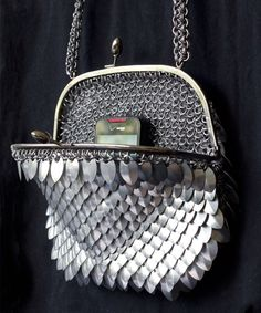 Purse design and closure options Scale Mail, Chain Mail, Chanel Boy Bag, Body Jewelry, Metal Working, Cosplay, Purses And Bags, Jewelery, Handmade Jewelry