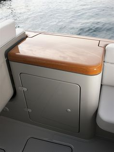 Details Riva Yacht - Aquariva by Marc Newson  #yacht #luxury #ferretti #riva