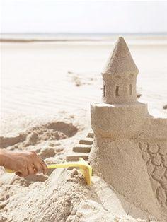 Build The Best Sand Castle On Beach